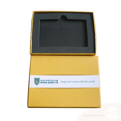Hộp đựng USB 005