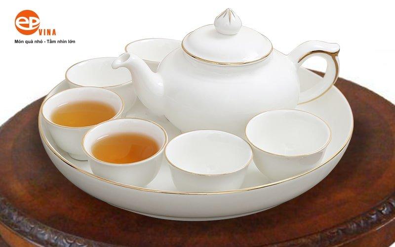 ấm trà sứ trắng