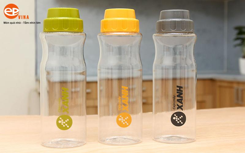 Bình đựng nước nhựa trong suốt