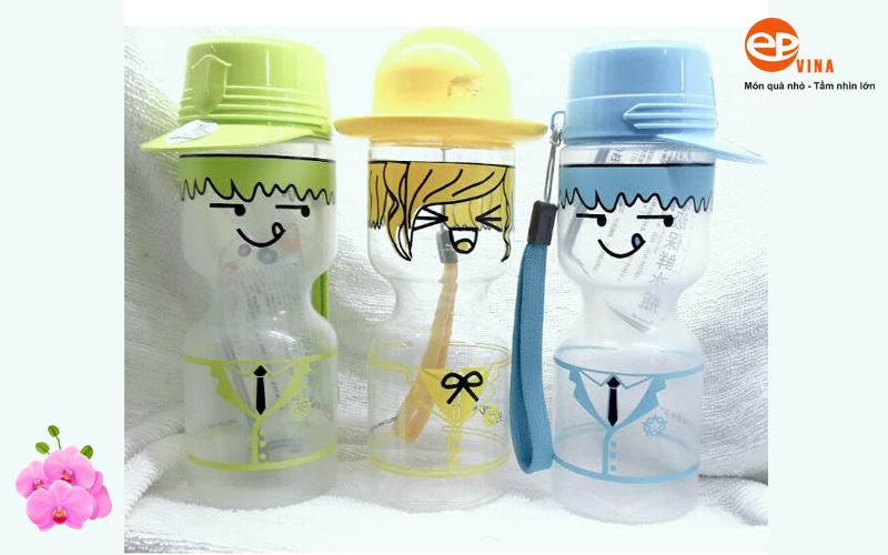 In bình nước nhựa thiết kế độc lạ