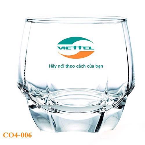 quà tặng cốc thủy tinh in logo theo yêu cầu