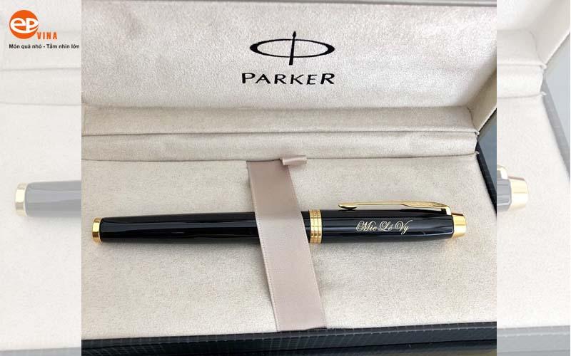 Bút kim loại khắc tên Parker