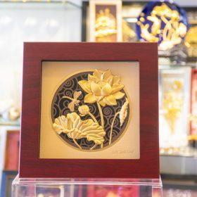 Tranh hoa sen mạ vàng đẹp