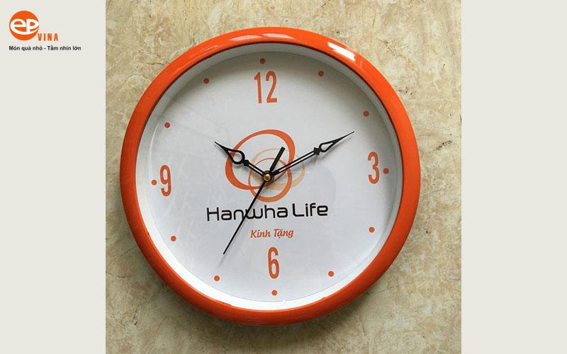 Dong ho treo tuong in logo