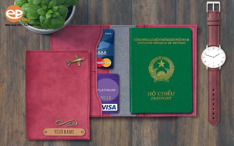 vi dung passport khac ten